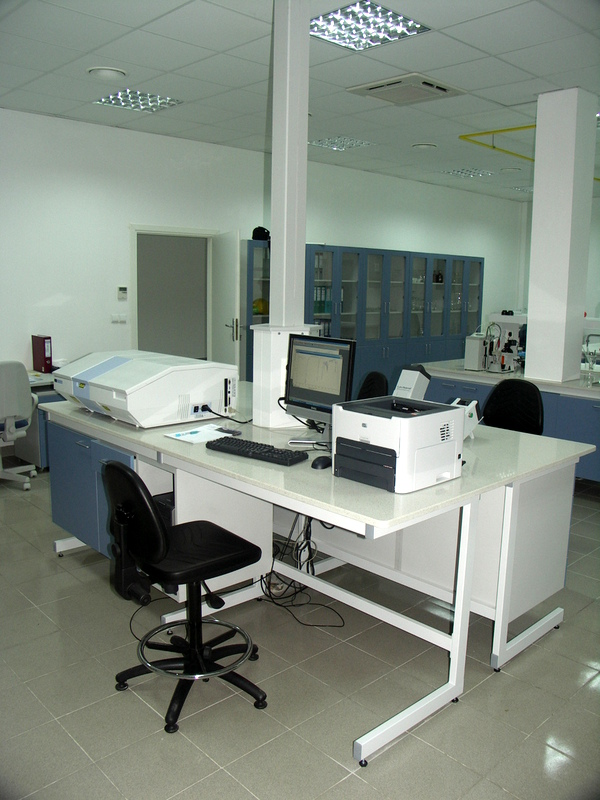zestaw laboratoryjny C kształny